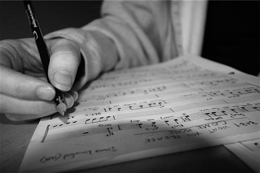 writing-music-rap-lyrics